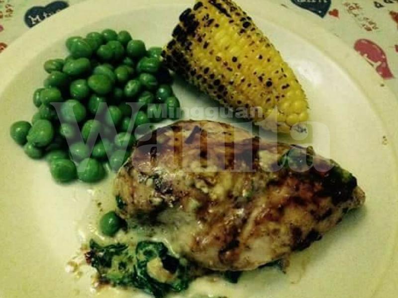 'Ayam Bakar Sumbat Bayam Cheese' Resepi Diet Khas Untuk ...