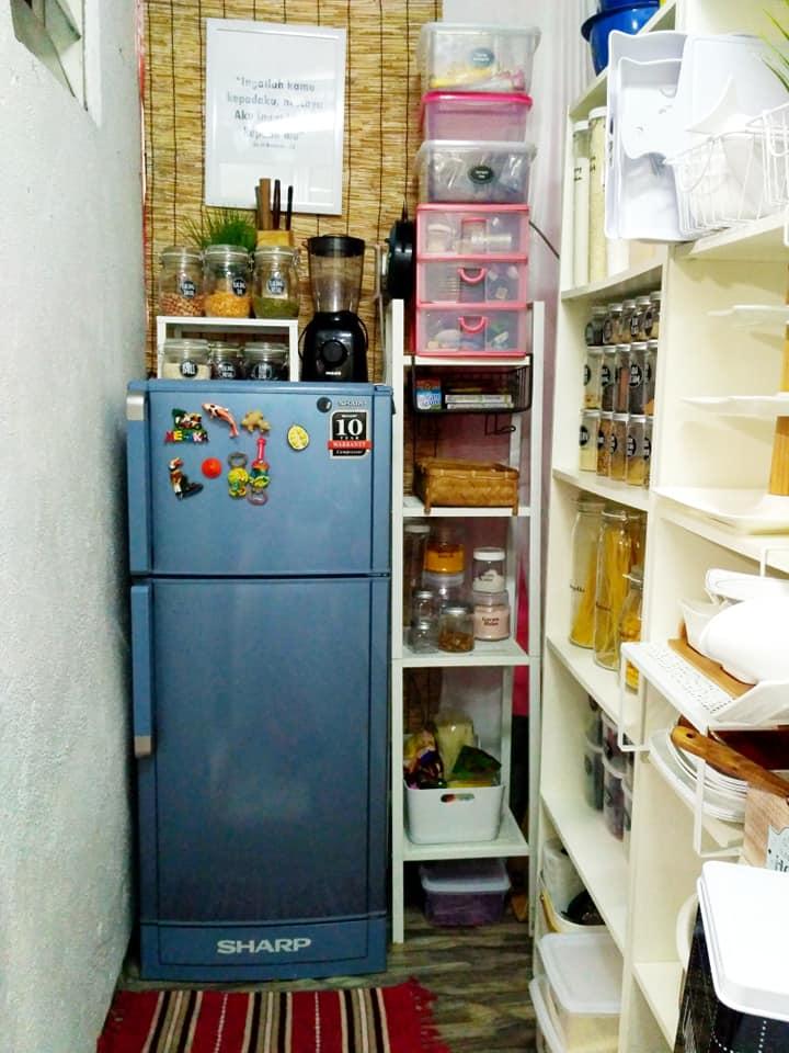 Wanita Ini Kongsi Idea Deko Dapur Kecil Ala Farmhouse Serius Cantik
