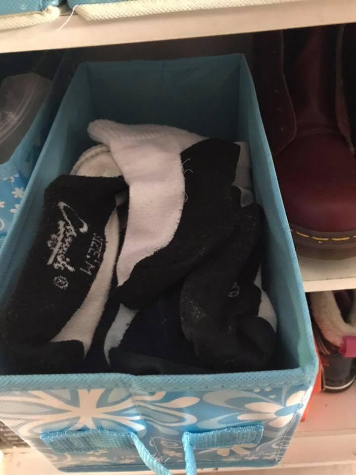 Cara Jimat Susun Kasut Bersepah Dalam Rak, 'Shoe Slot' Ini Cuma RM2.10