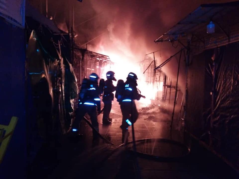 Dua Minggu Nak Raya, 30 Peniaga Bazar Masjid India Diuji Gerai Terbakar