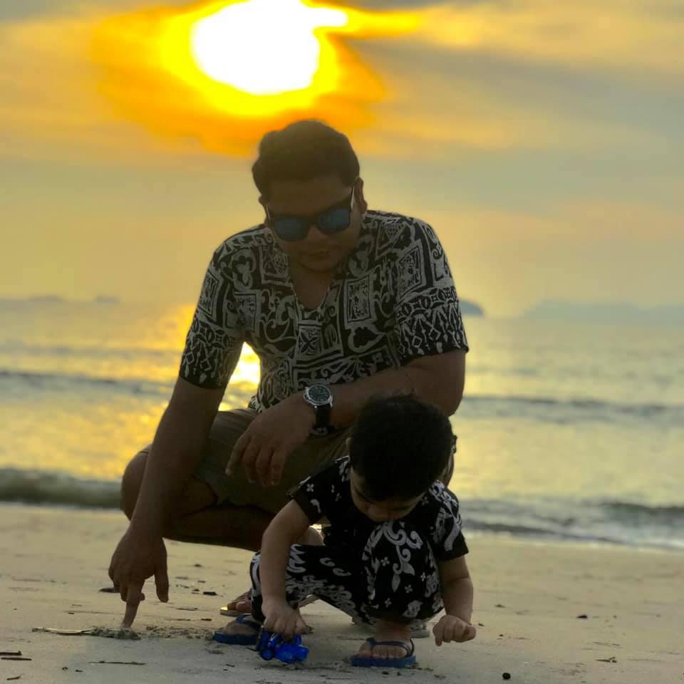 Emak Dulu Baru Jeling, Anak Nakal Dah Rasa Dunia Nak 'Kiamat'