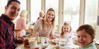 Murah Rezeki Mak Ayah, Bila Tak Berkira Soal Belanja Anak Makan